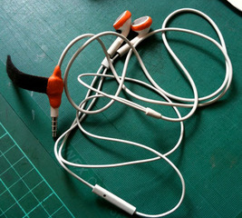 Add a cable-tidy to earphones