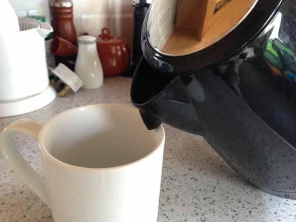 Modify a kettle for the visually impaired