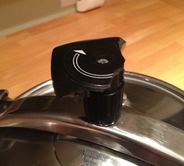 Fix the handle of the lid on a pressure cooker