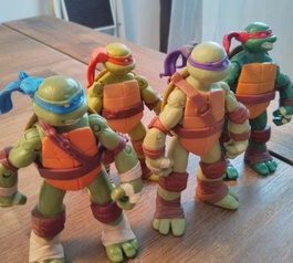 Fix Ninja Turtles toys