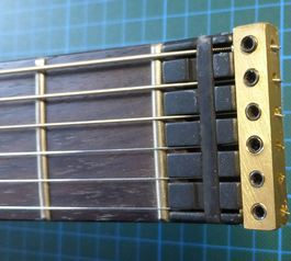 Improve a headless guitar (before)