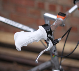 Make customised handlebar grips for your bike