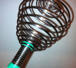 Mend an egg whisk handle