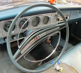 Fix a cracked steering wheel in a vintage car (before)