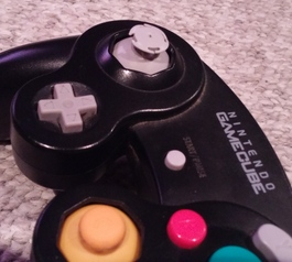 Repair the joystick on a Nintendo controller (before)