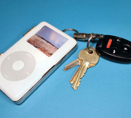 Turn an old iPod into a card wallet