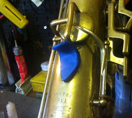 Improve grip and keys on saxophones