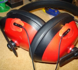 Combine your ear defenders and headphones (after)