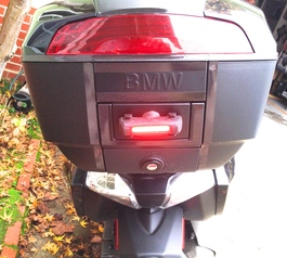 Attach a fog tail light to a BMW top box (after)