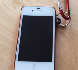 Make your iPhone case keyring-compatible