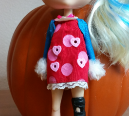 Make a knee brace for a doll