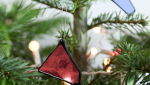 How to make DIY Christmas decorations