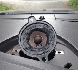 Fix a car speaker on a Saab