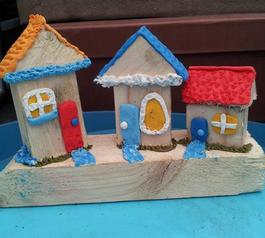 Make a decorative wooden fairy home (before)