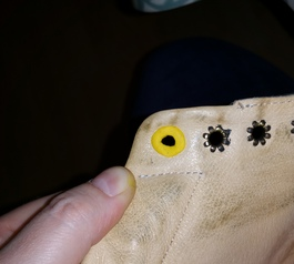 Prevent laces from tearing (before)