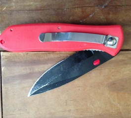 Repair a pocket knife thumb release