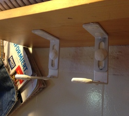 Make a shelf mount for bluetooth speakers  (before)