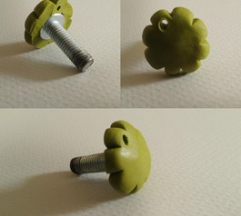 Customise a screw with Sugru