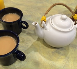 Find out how to fix the handle on a teapot using yellow Sugru