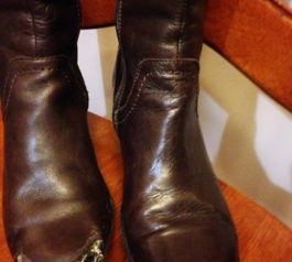 Fix your boots using Sugru (before)