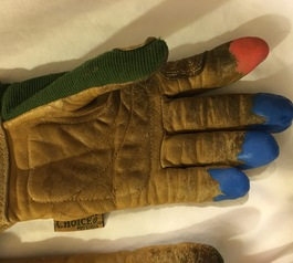 Fix your garden gloves with Sugru