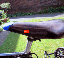 Fix the saddle of your bike with Sugru (2010)