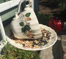 Make a vintage teacup bird feeder