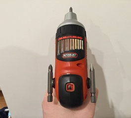 Customise an electric screwdriver using magnets (after)