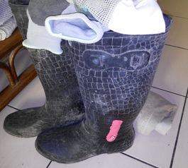 Repair a hole in wellington boots  (after)