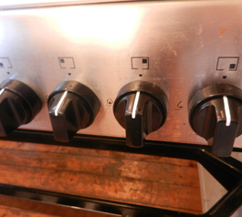 Make cooker knobs more visible