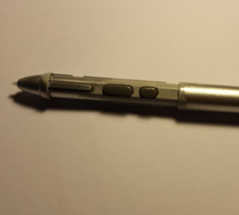 Rebuild the grip on a Wacom Graphire pen (before)