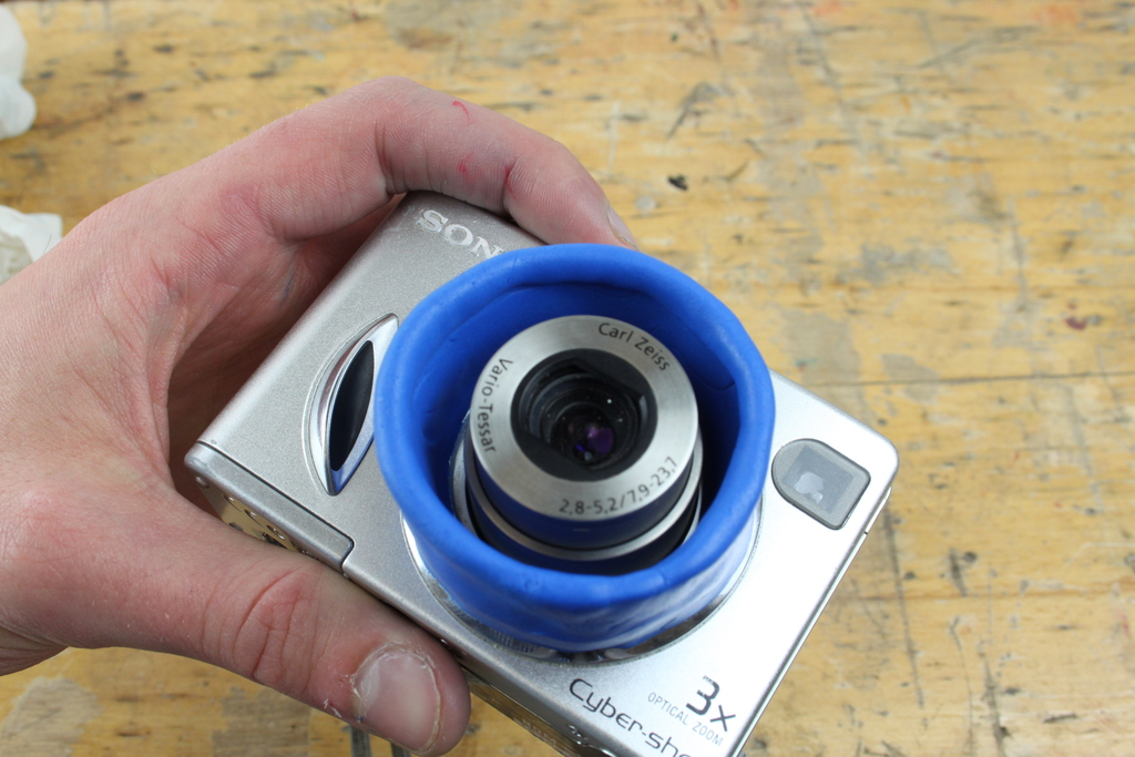 Lens lines in blue Sugru