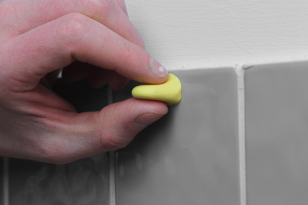 Top clip of Sugru moulded with hands